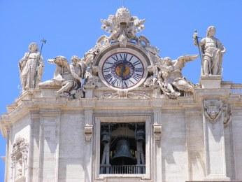 Basilica_di_San_Pietro_facade_-_front_left_top